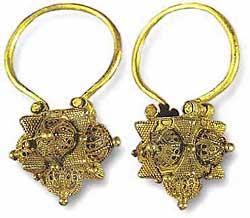 Золотые серьги византийский период