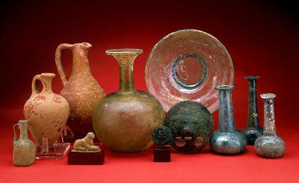 древнеримская-стеклянная-посуда