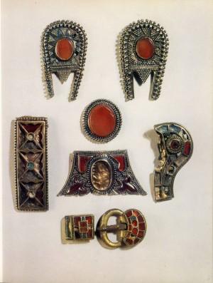 золотые украшения гуннской эпохи2